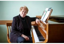 «У композиторов, пишущих академическую музыку, всё сложно»
