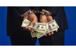 Продавец на рынке в Ждановичах задержан за кражу у коллеги крупной суммы денег