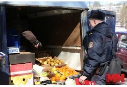 Санслужба провела рейд по местам стихийной торговли в Ленинском районе.
