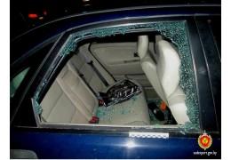 Для кражи ноутбука похититель использовал самодельную рогатку