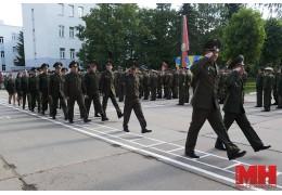 В 56-м полку связи военнослужащих торжественно отправляют в запас