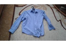 Рубашка светло - голубая с длинными рукавами