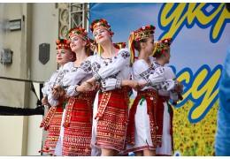 Сало в шоколаде и казачок под дождем: праздник украинской культуры прошел в Минс