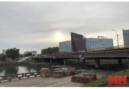 При реконструкции моста через Свислочь на пр. Машерова возникли проблемы
