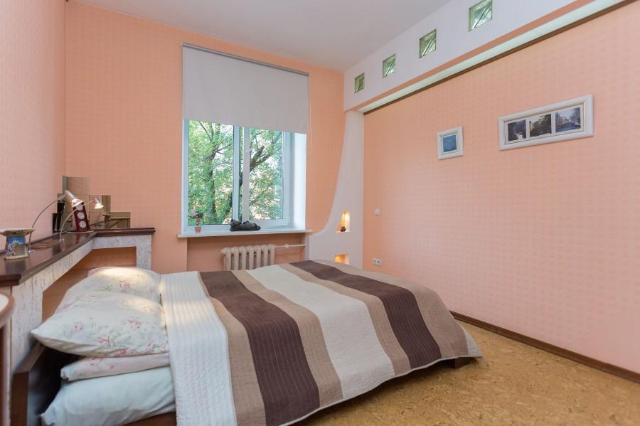 2 комнатные апартаменты около ЖД вокзала на сутки и часы
