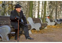 Пожилые минчане тестируют новую систему экстренного вызова помощи