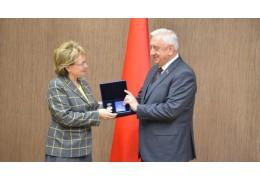 Щеткина награждена орденом МПА СНГ за вклад в развитие дружбы между народами