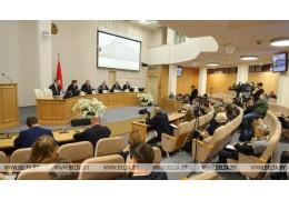 Нацбанк продолжит инициировать уход от привязок к валюте в договорах