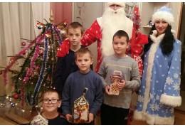 Дед Мороз и Снегурочка поздравили детей сотрудников Ганцевичского РОВД