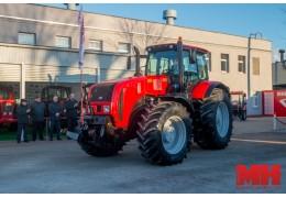 Контракт на поставку 2 тысяч тракторов заключил МТЗ с Новосибирской областью