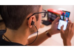 Google представила два Android-приложения для слабослышащих