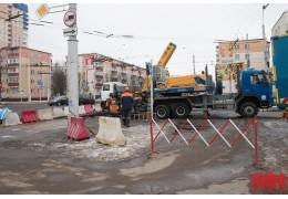 Аварийные работы на ул. Карастояновой продолжаются.
