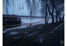 В Мозыре плавучее кафе с людьми отошло от берега Припяти из-за обрыва троса
