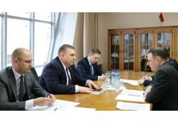 Кравченко обсудил с послом Румынии развитие диалога с ЕС