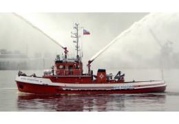 В Баренцевом море с горящего катера спасли восемь рыбаков