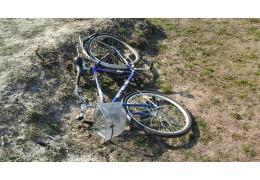 В Светлогорском районе автомобиль сбил пешехода, катившего велосипед