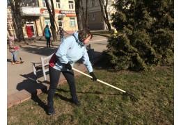 Около 2 тысяч горожан благоустраивали и озеленяли Советский район столицы