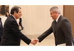 Посол Беларуси вручил верительные грамоты президенту Кипра