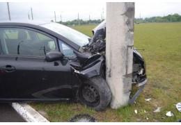 Брест: в результате наезда на световую опору травмирована водитель Тойота Аурис