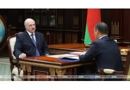 Лукашенко:  Беларусь оказалась в горячей политической точке