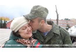 Витебские десантники провели праздничную встречу накануне Дня матери