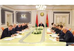 Лукашенко поставил задачу до 7 ноября завершить уборку в АПК