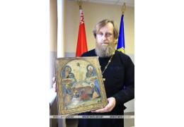 Правоохранители вернули церкви похищенные иконы