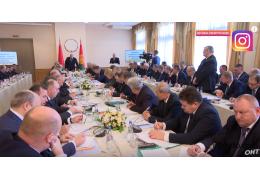 Лукашенко жестко прошелся по чиновникам: дурницы, мужики, больше не будет!