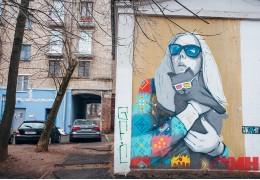 Не муралами едиными. Где в Минске спрятались небольшие граффити