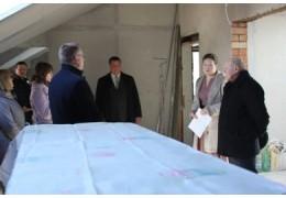 Леонид Анфимов побывал в доме минчанина, который жаловался на волокиту властей