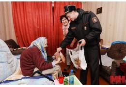 Чем помогает пожилым минчанам участковый инспектор во время коронавируса