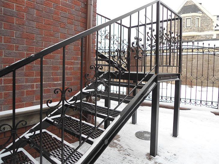 Лесницы, перила, балконы. Полимерное покрытие