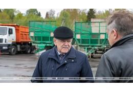Анфимов ознакомился с подготовкой с/х техники в Сенненском районе