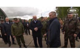 Лукашенко ознакомился с развитием в Беларуси ракетного производства